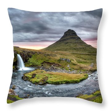 Paradise Found - Panorama Throw Pillow