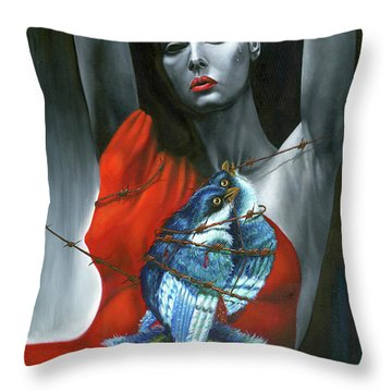 Pasion Por La Costumbre Throw Pillow