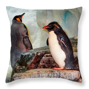 Penquin Throw Pillow