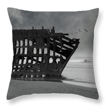 Peter Iredale Shipwreck At Oregon Coast Throw Pillow