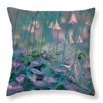 Petites Fleurs Throw Pillow