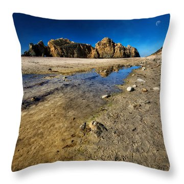 Throw Pillow featuring the photograph Pheiffer Beach -keyhole Rock #18 - Big Sur, Ca by Jennifer Rondinelli Reilly - Fine Art Photography