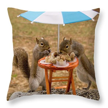 Picnic 2 Throw Pillow