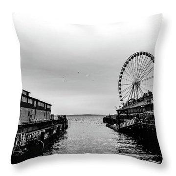 Pierless  Throw Pillow
