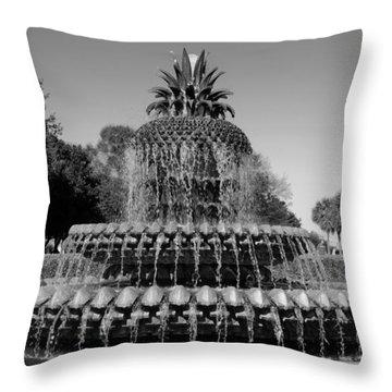 Pineapple Fountain Charleston Sc Black And White Throw Pillow
