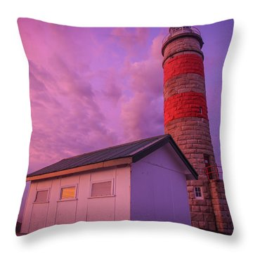 Pink Skies At Cape Moreton Lighthouse Throw Pillow