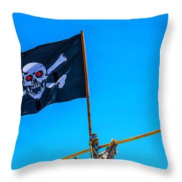 Pirates Death Black Flag Throw Pillow