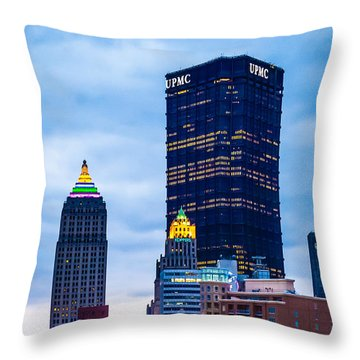 Pittsburgh - 7012 Throw Pillow