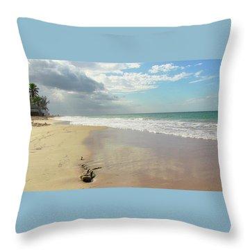 Playa El Ultimo Trolly Throw Pillow