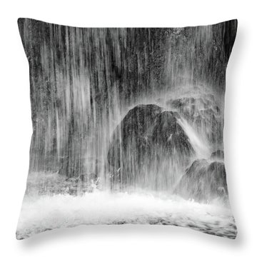Plitvice Waterfall Black And White Closeup - Plitivice Lakes National Park, Croatia Throw Pillow