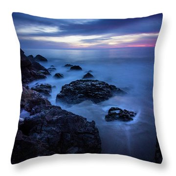 Point Dume Rock Formations Throw Pillow