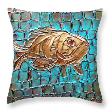 Poisson D'ore Throw Pillow
