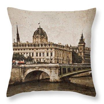 Paris, France - Pont Notre Dame Oldstyle Throw Pillow