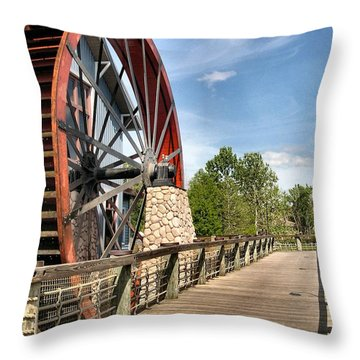 Port Orleans Riverside IIi Throw Pillow