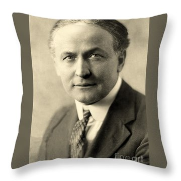 Portrait Of Harry Houdini Circa 1911 Throw Pillow