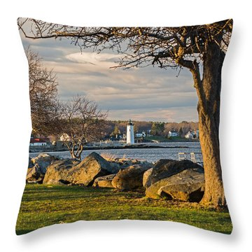 Throw Pillow featuring the photograph Portsmouth Harbor Light At New Castle Commons by Nancy De Flon