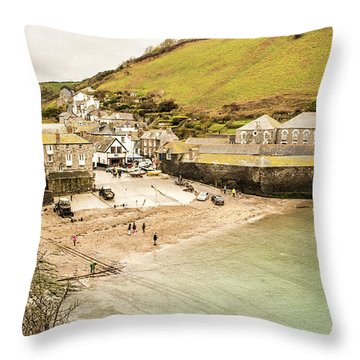 Portwenn Throw Pillow
