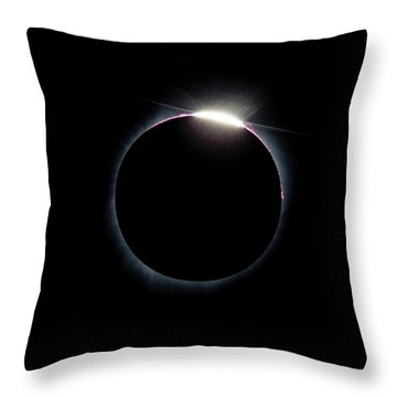 Post Diamond Ring Effect Throw Pillow
