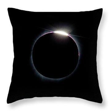 Post Diamond Ring Effect Throw Pillow