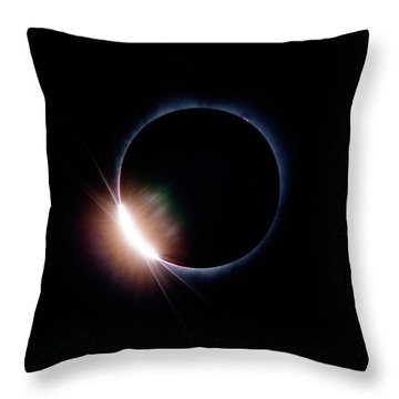 Pre Daimond Ring Throw Pillow