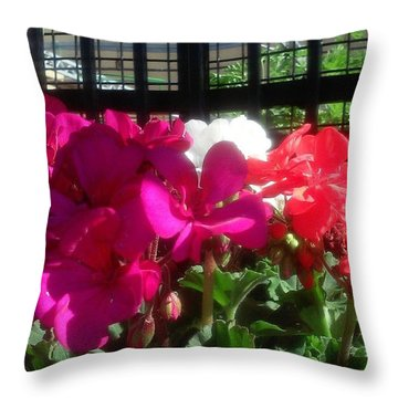 Pretty! ❤ #flowers #nature #pink Throw Pillow