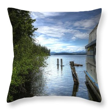 Priest Lake Houseboat 7001 Throw Pillow