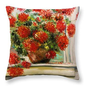 Prize Geranium Throw Pillow