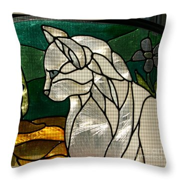 Profile Of A Cat Throw Pillow