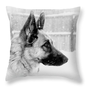 Profile Of A German Shepherd Throw Pillow