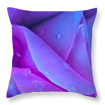 Profile Of A Rose Throw Pillow by Gwyn Newcombe
