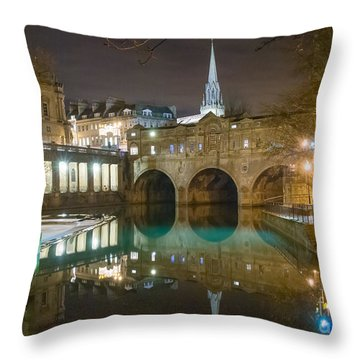 Pulteney Bridge, Bath Throw Pillow