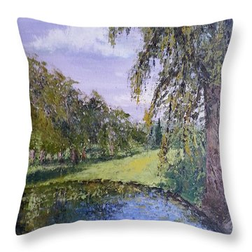 Putting Green Pond Throw Pillow