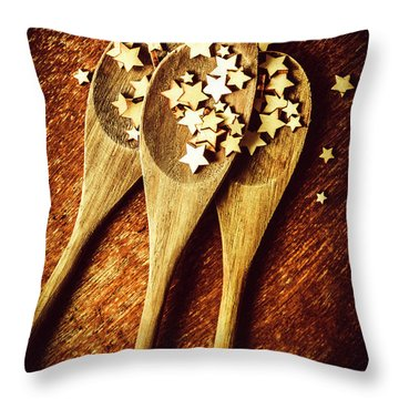 Quality Dish Review In The Baking Throw Pillow