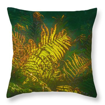 Quantum Fern.... Throw Pillow