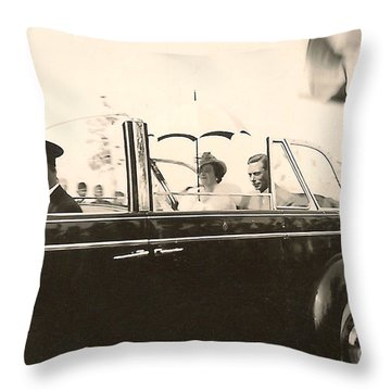 Queen Elizabeth And King George Vi Throw Pillow