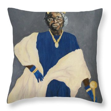 Queen Estella Throw Pillow
