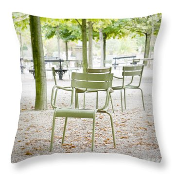 Quiet Moment At Jardin Luxembourg Throw Pillow