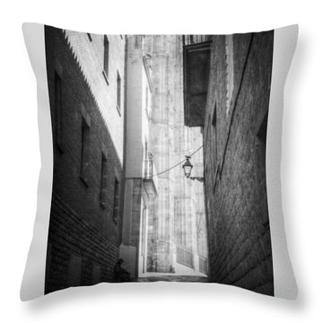 Quiet Moment Near Barcelona Cathedral, B/w Throw Pillow