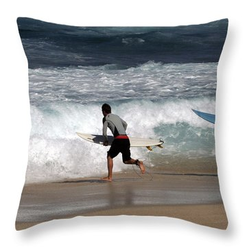 Race To The Waves Throw Pillow