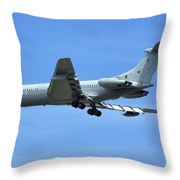 Throw Pillow featuring the photograph Raf Vickers Vc10 C1k by Tim Beach
