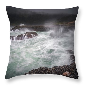 Throw Pillow featuring the photograph Raging Waves On The Oregon Coast by William Lee