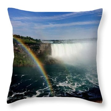 Rainbow Over Horseshoe Falls Throw Pillow