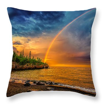 Rainbow Point Throw Pillow
