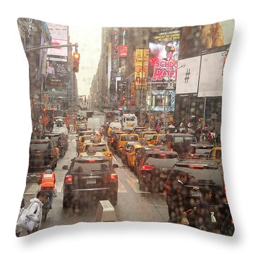 Throw Pillow featuring the photograph Rainy Day In Manhattan by Emanuel Tanjala