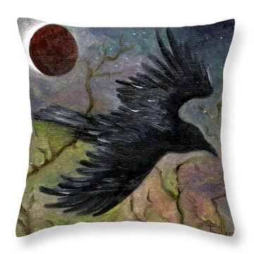 Raven In Twilight Throw Pillow