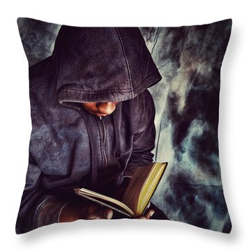 Read And Grow Throw Pillow