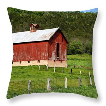 Red Barn With Cupola Throw Pillow
