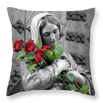 Red Roses Throw Pillow by Munir Alawi