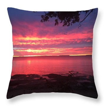 Throw Pillow featuring the photograph Red Sky At Night by Paula Brown