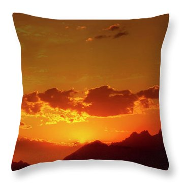 Red Sunset In Africa 2 Throw Pillow
